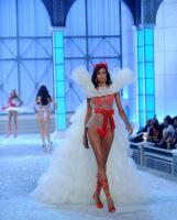 https://t10.pixhost.to/thumbs/0/42540203_lais-ribeiro-victoria_s_secret_fashion_show_2011_05.jpg