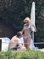 https://t10.pixhost.to/thumbs/118/44204167_42861532_gillian-anderson-wearing-a-bikini-on-vacation-in-portofino-italy-21-06.jpg