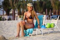 https://t10.pixhost.to/thumbs/155/44874908_michelle-hunziker-bikini-candids-in-dubai-april-11-32-pics-15.jpg