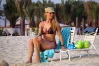 https://t10.pixhost.to/thumbs/155/44874964_michelle-hunziker-bikini-candids-in-dubai-april-11-32-pics-16.jpg