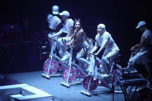 Ariana Grande Performing in Rio de 8